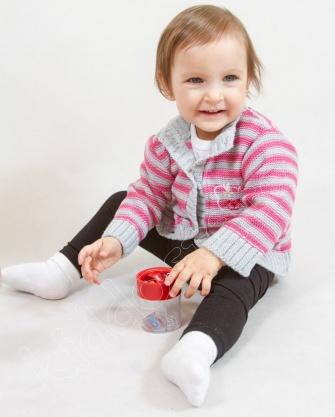 Sweterek niemowlęcy w paski
