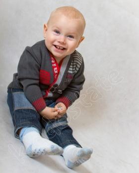 Sweter niemowlęcy zapinany